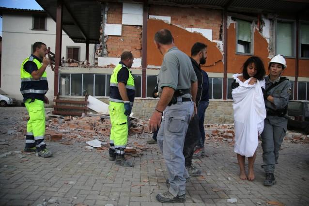 Sale ancora il bilancio delle vittime: almeno 21 morti