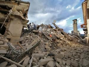 """Terremoto Centro Italia, protestano i cittadini colpiti dai sismi: """"Ci hanno dimenticati"""""""