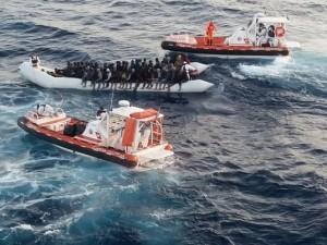 Migranti, la Germania sospende l'operazione Sophia: risposta