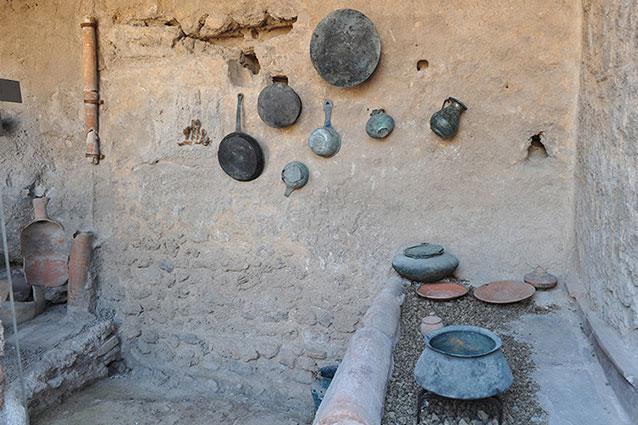 Un 39 antica cucina romana del 79 d c torna negli scavi di for Cucina romana antica