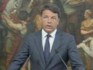 """Renzi nel pomeriggio nei luoghi colpiti dal sisma: """"Grazie ai soccorritori"""""""