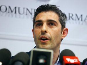 Parma, Pizzarotti presenta la memoria contro sospensione dal M5s