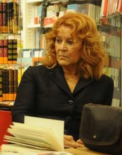La scrittrice Enza Li Gioi