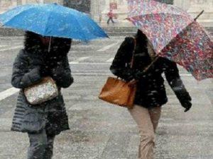 Meteo, arriva il vero inverno: temperature in picchiata e pr