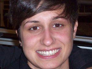 Un colpo di pistola in ascensore: Sissy torna a casa dopo 10 mesi di ospedalizzazione