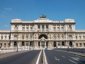 La facciata della Corte di Cassazione di Roma