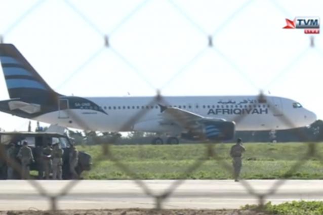 Aereo dirottato a Malta: liberati tutti i 118 passeggeri