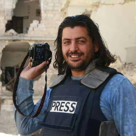 Shamel Al Ahmed, reporter dell'Aleppo Media Center ucciso il 2 settembre assieme alla moglie dai barili bomba lanciati dall'aviazione siriana