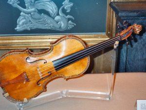 """Scoperto il segreto dei violini di Stradivari: Gli esperti: """"Una chimica speciale"""""""