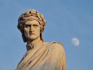 Monumento a Dante, scultura di Enrico Pazzi. Piazza di Santa Croce a Firenze. Foto di Emi Curatolo