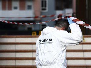 Brindisi, trovati i cadaveri di un uomo e una donna in casa: