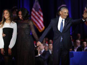 """L'addio di Obama nella sua Chicago: """"Un onore servire gli americani, non mi fermerò"""""""