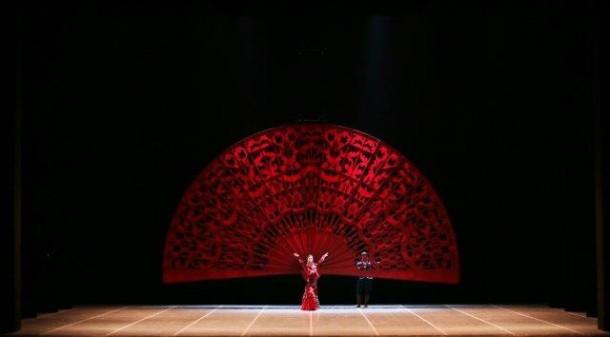 """La danza spagnola de """"Lo Schiaccianoci"""", ph. Brescia e Amisano"""