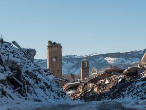 Nevica senza sosta in Abruzzo e Marche: oltre 90mila utenze senza energia elettrica