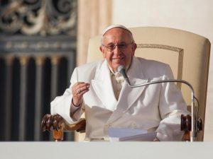 """Papa Francesco: """"L'udienza è gratis, attenti a chi vi chiede soldi, è un delinquente"""""""