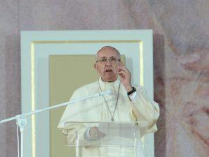 """Papa Francesco: """"Rischiamo una  guerra mondiale per l'acqua"""""""