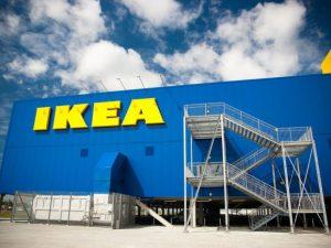 La risposta di Ikea a Trump: farà confezionare i propri tappeti da rifugiati siriani