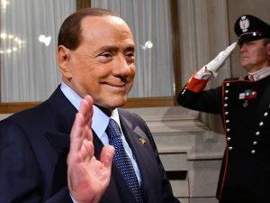 """Berlusconi: """"Anche da incandidabile scenderò comunque in campo alle elezioni"""""""