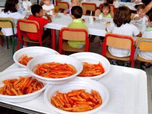 Pisa: larve di insetti e vermi nei pasti serviti ai bambini