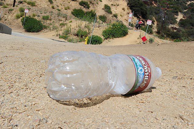 Messina trova un messaggio d 39 amore in una bottiglia sulla for Bottiglia in francese