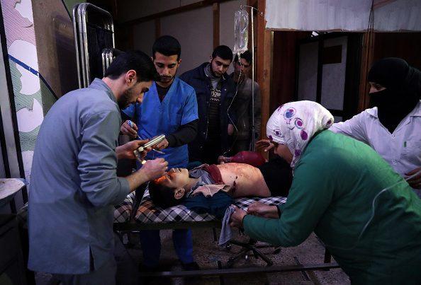 Bombe su moschea in Siria, 42 morti. Usa negano di averla colpita