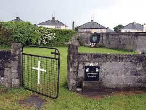 Trovata in Irlanda una fossa comune nell'orfanotrofio cattolico: almeno 800 bimbi sepolti