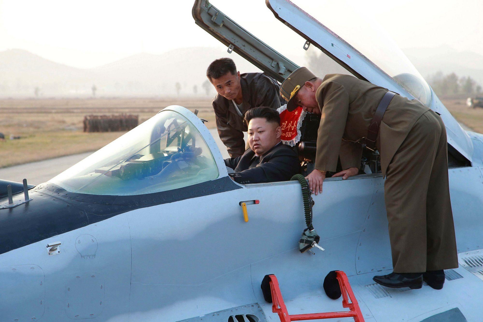 Kim Jong–un a bordo di un jet militare