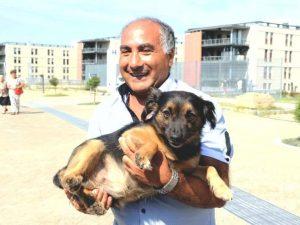 Addio Cucciolo, il cane che ogni giorno aspettava ore il suo padrone in dialisi