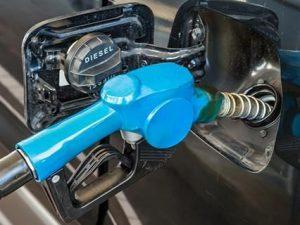 Aumentano ancora i prezzi del carburante: benzina a 1,617 eu