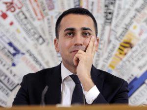 """M5s, Di Maio pronto a fare il premier: """"Se gli iscritti mi voteranno ci sarò"""""""
