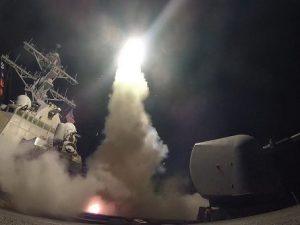 Cosa sta accadendo in Siria e perché Trump ha attaccato la base militare di Shayrat