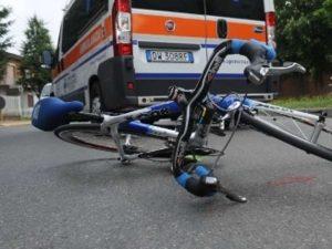 Verona, 15enne in bici travolto e ucciso da un'auto: il cond