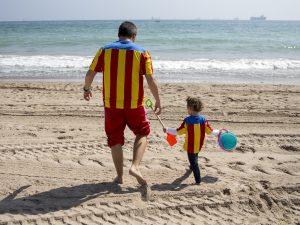 Padre e figlio al mare
