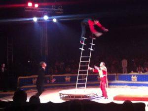 Catania, si sgancia una fune al circo durante uno spettacolo: ferita una bimba di 7 anni