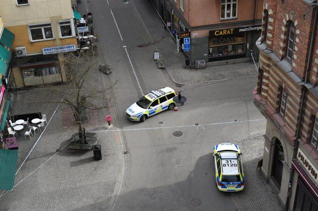 Polizia: ancora ricercato l'autista del camion