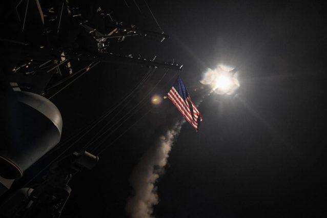 Usa lanciano 60 missili contro una base aerea in Siria