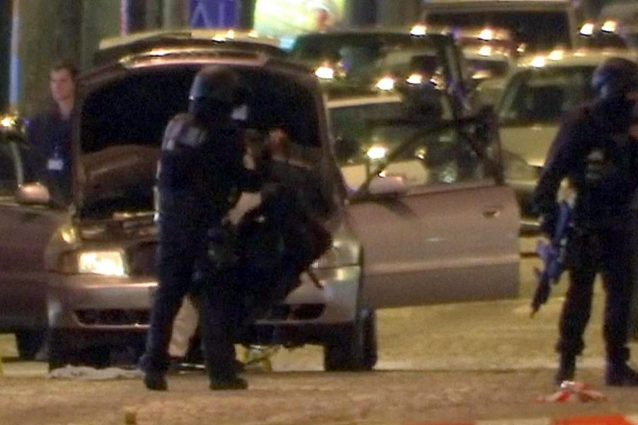 Agente ucciso con due colpi in testa