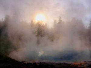 Una formazione di vapore a Yellowstone (Brocken Inaglory)