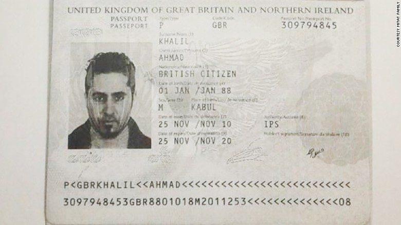 Il passaporto inglese di Ahmad Khalil, jihadista dell'Isis e primo marito di Islam (Foto: Cnn)