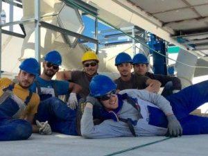 Sei ragazzi italiani inventano il modo per trasformare gli escrementi in energia