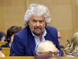"""PD denuncia Beppe Grillo: """"Vediamo se il pluripregiudicato è anche evasore fiscale"""""""