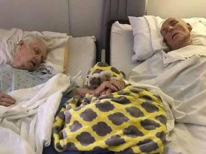 Mano nella mano fino all'ultimo, dopo 62 anni di nozze muoiono insieme