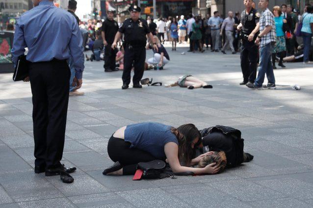 Auto travolge pedoni a Times Square: 1 morto, escluso terrorismo