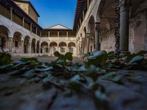 Vuoi trasferirti in un monastero abbandonato? 100 immobili gratis agli under 40
