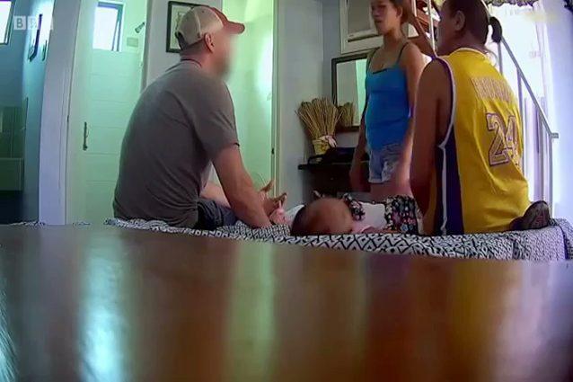 Le sorelle Su offrono i loro figli al finto pedofilo, l'agente sotto copertura dell'Home Security Investigations (Foto Bbc)