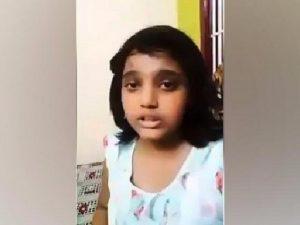 """""""Ti prego papà, salvami"""", in un video il disperato appello di una 13enne malata di cancro"""