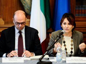 """Trapani, emendamenti in cambio di Rolex. Indagata sottosegretaria Vicari: """"Mi dimetto"""""""