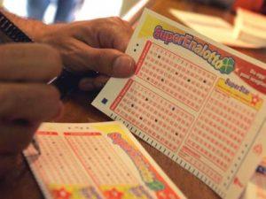 Estrazioni Lotto e Superenalotto martedì 19 novembre: tutte