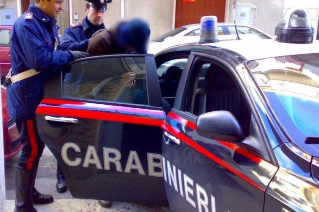 """""""Paga o ti do in pasto ai lupi"""": due dipendenti dell'Asl di Bari facevano gli strozzini al lavoro"""