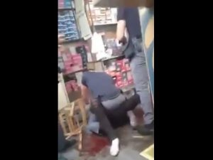 """Torino, arrestato giovane immigrato. Testimoni accusano: """"Picchiato dalla polizia"""""""